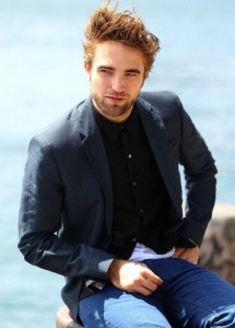 robert-pattinson-102212- (2)
