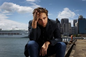 robert-pattinson-102212- (3)