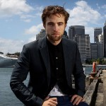 robert-pattinson-102212- (4)