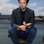 robert-pattinson-102212- (9)