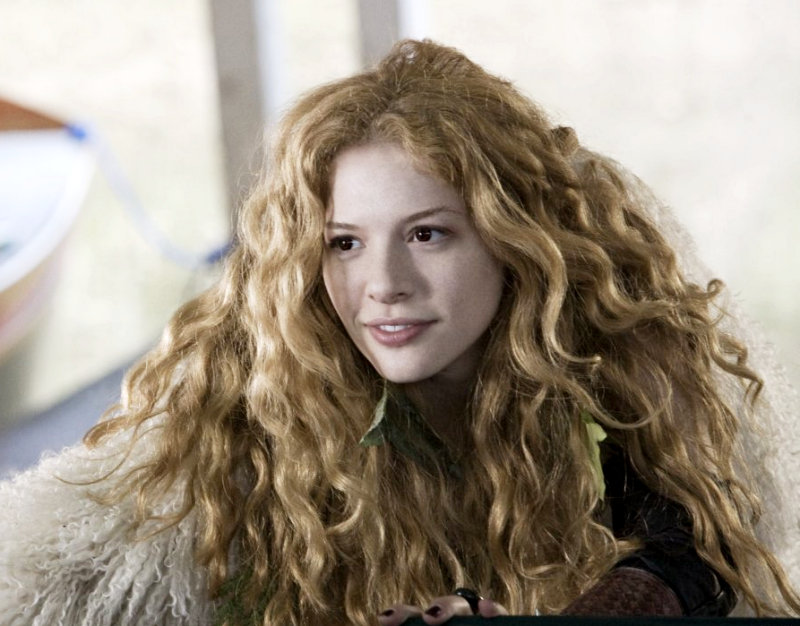 """Rachelle Lefevre is """"Obsessed with British Trends"""" – New ..."""